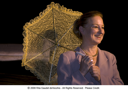 carol-raviola-with-parasol